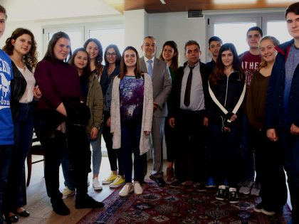 the-team-of-MyEducation-of-Mantoulides-school-with-Stavros-and-Lida-Koumentakis